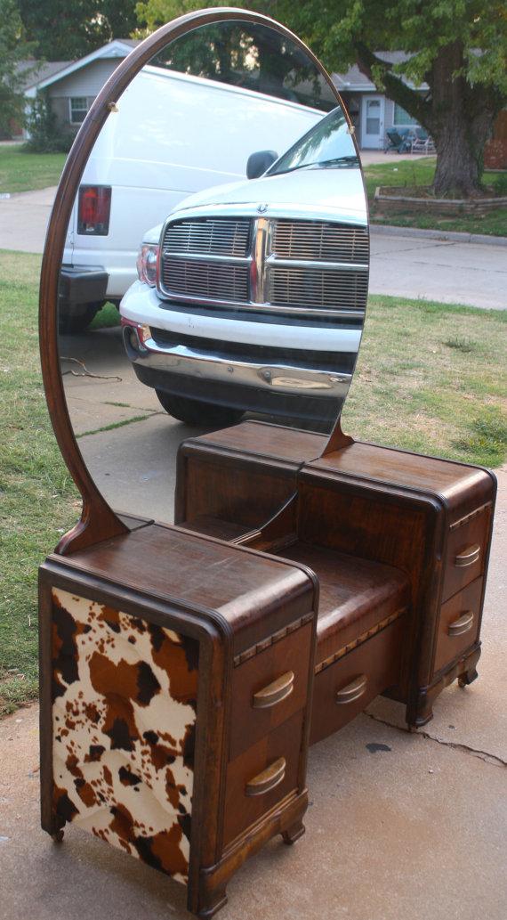 Old Vintage Art Deco Antique Vanity With Mirror